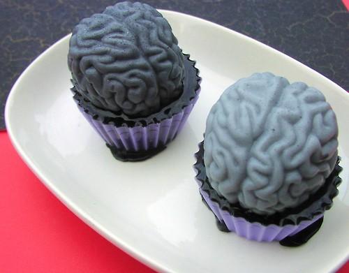 Goooooooeeeyyy Brain Cupcakes